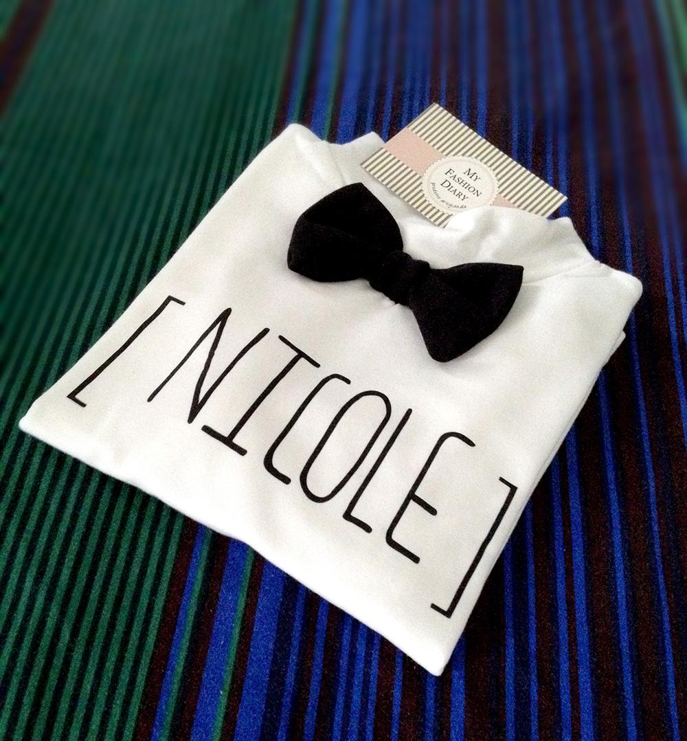 t-shirt personalizzata con nome e papillon per bimba momeme