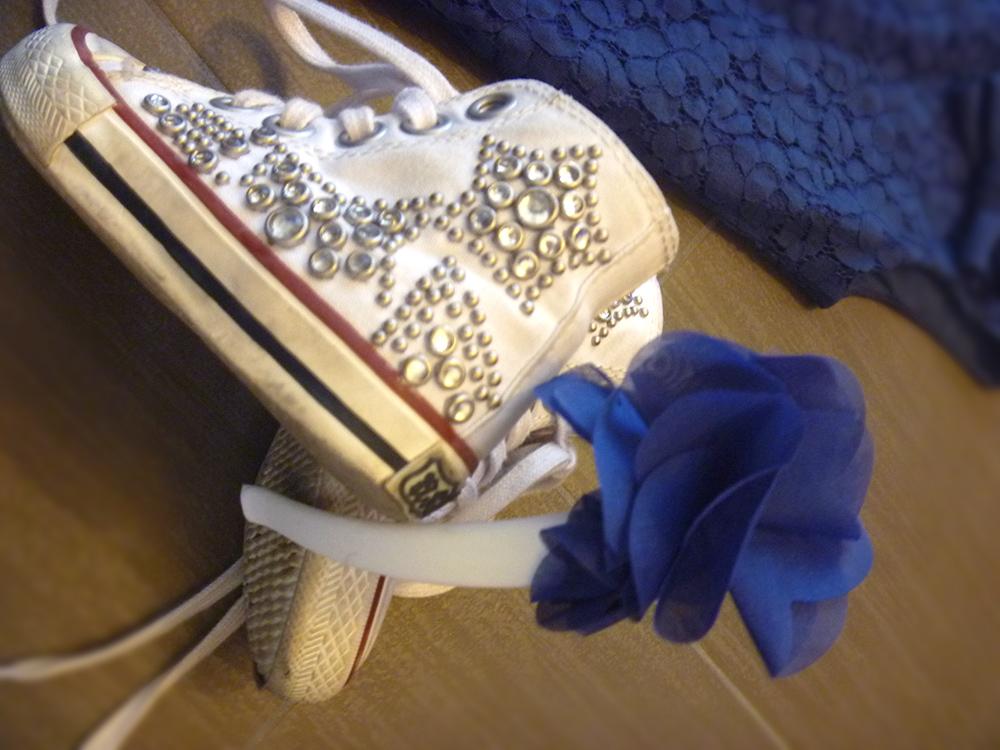 sneakers ash baby con borchie e vestito in pizzo