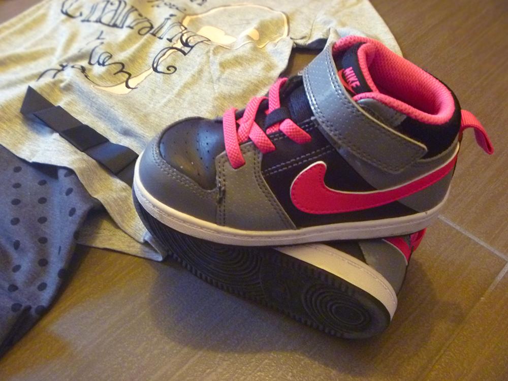 Nike bambina fucsia e grigio