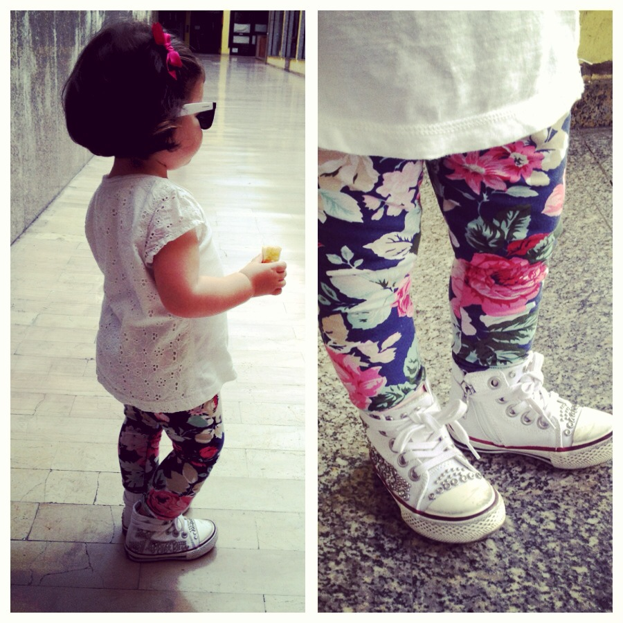outfit fashion for little girl, leggings stamps fiori, t-shirt sangallo, occhiali da sole e sneakers borchie ash