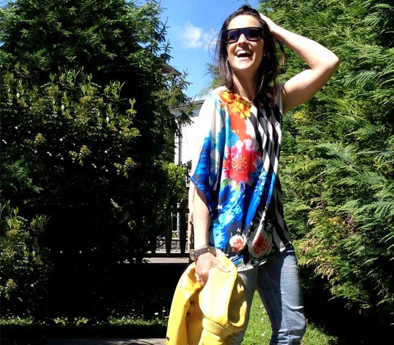 giacca_pelle_giallo_jeans_flower_righe_primavera