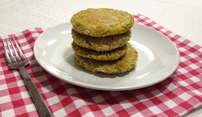 hamburger vegetariano vegan di verdure cotto al forno per una ricetta facile e leggera light