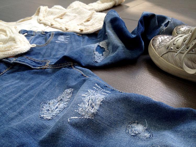 jeans baby bimba strappati e modello boy-friend con giacchina modello chanel