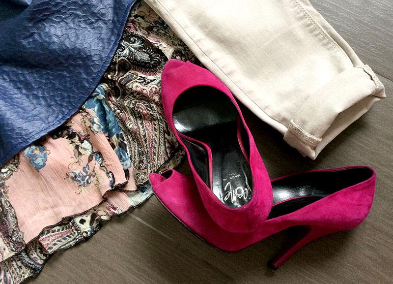 look donna blusa ecopelle stampata canotta in seta fantasia floreale e scarpe scamosciate fucsia icone shoes