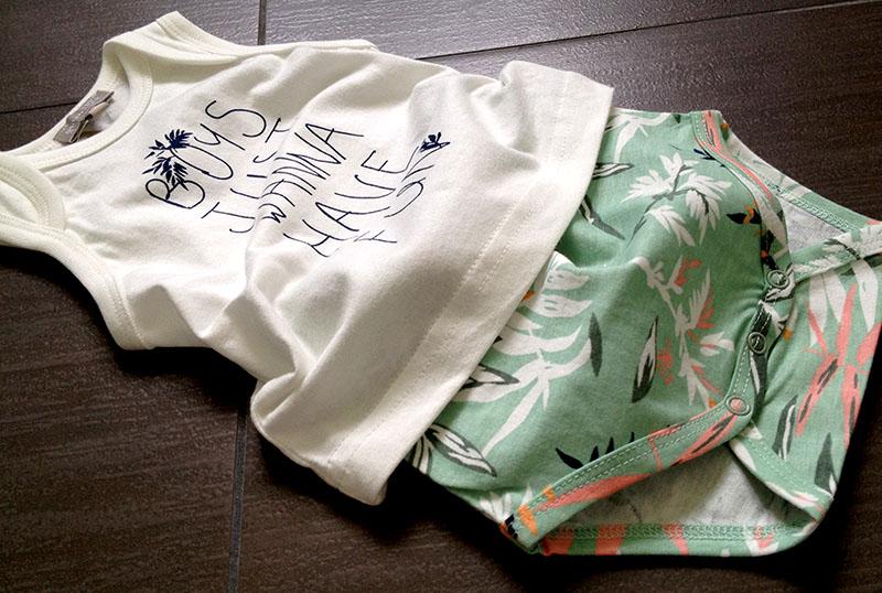 body t-shirt e pantaloncino con bottoni fresco cotone per neonato in stile tropical