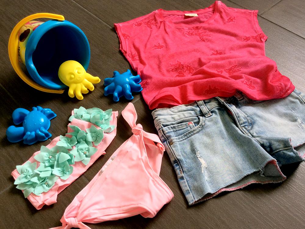 costume_bikini_silvian_heach_kids_short_jeans_tshirt_ricamo_rilievo_rondini_secchiello_stampini_spiaggia