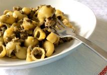 ricetta facile per preparare pasta con pesce spada melanzane pinoli menta e basilico con il bimby