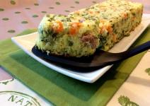 ricetta semplice per sformato svuotafrigo con piselli, carote, ricotta, maggiorana e patate ideale come piatto unico o secondo piatto