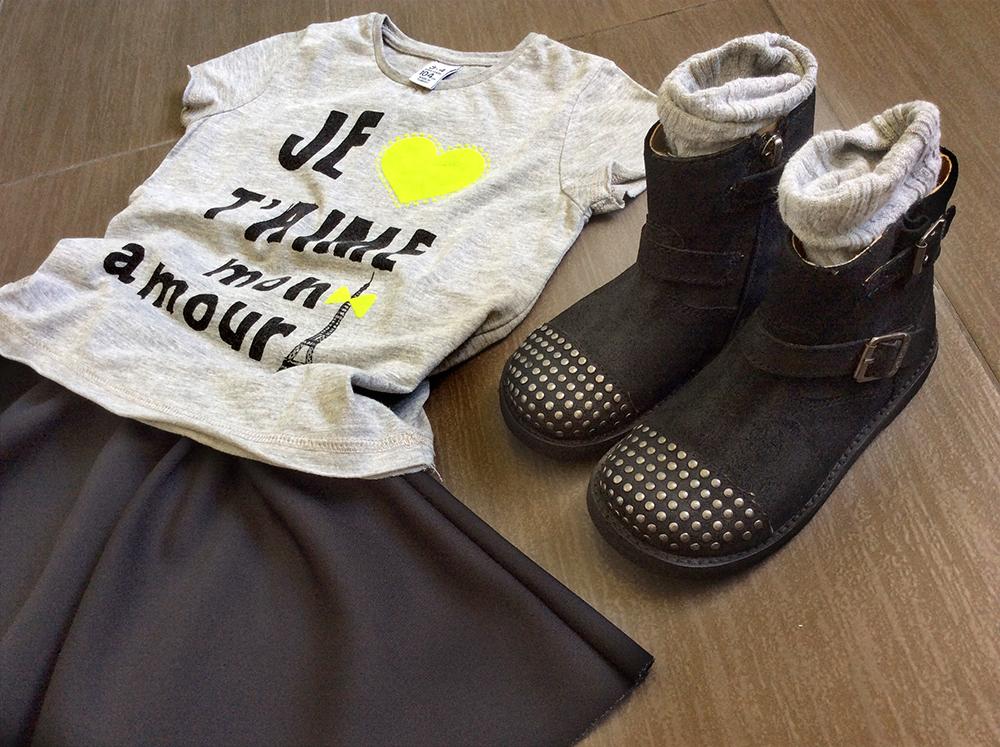 outfit_bambina_bikers_pom_dapi_borchie_gonna_ruota_neoprene_handmade_momeme_tshirt_touer_heiffel