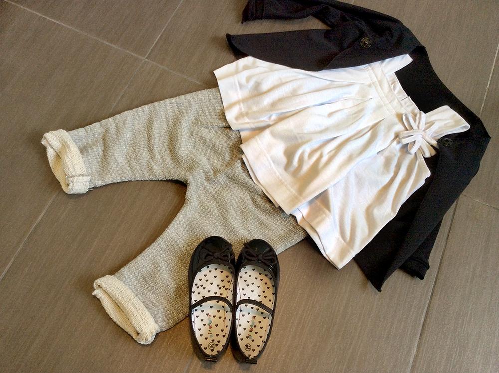 felpa_taglio_vivo_bottone_automatico_momeme_top_heach_dolls_pantaloni_felpa_handmade_ballerine_vernice_outfit_bambina