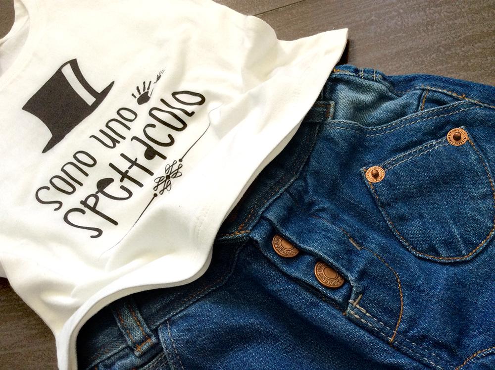 sono_uno_spettacolo_tshirt_baby_jeans_cavallo_basso_converse_borchie