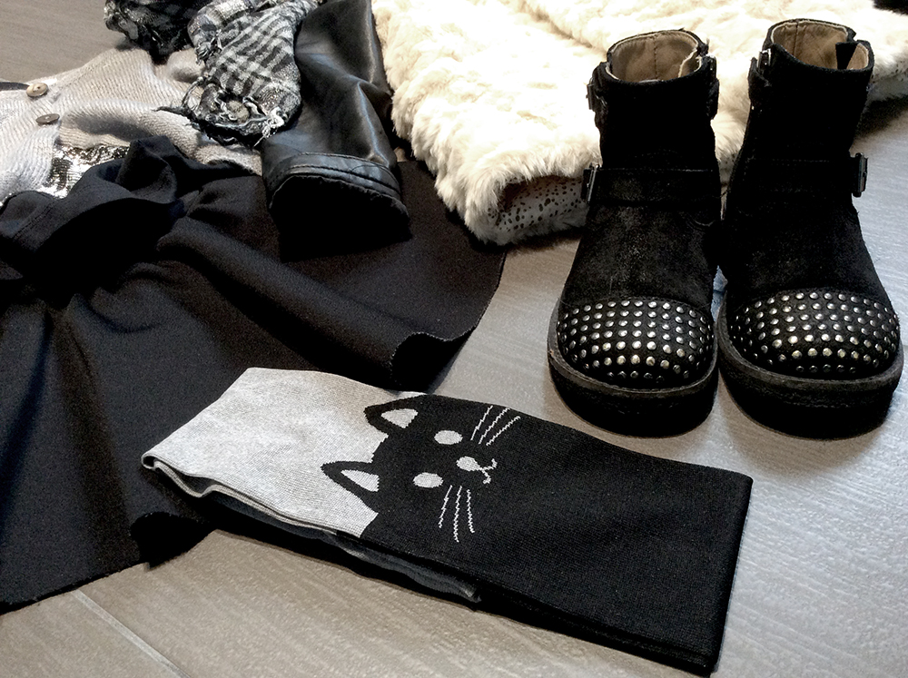 look_bambina_gonna_ruota_neoprene_fatta_a_mano_momeme_collant_gatto_calzedonia_bikers_borchie_gilet_pelliccia