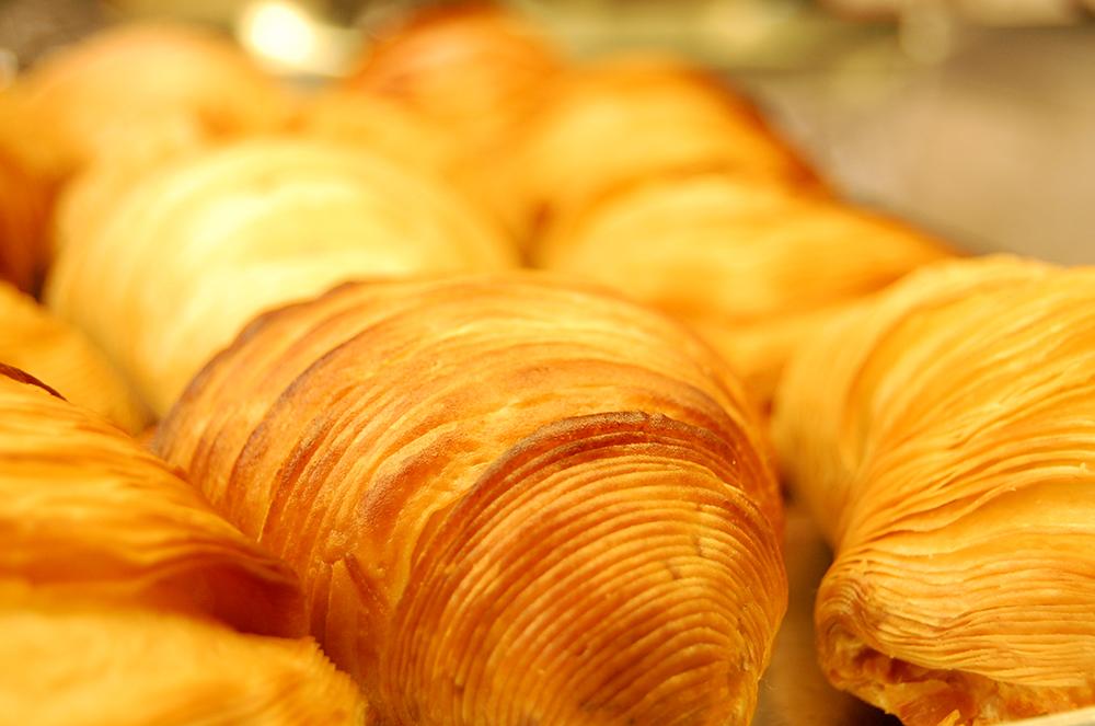 dettaglio sfogliatelle dolce tipico napoletano con ricotta