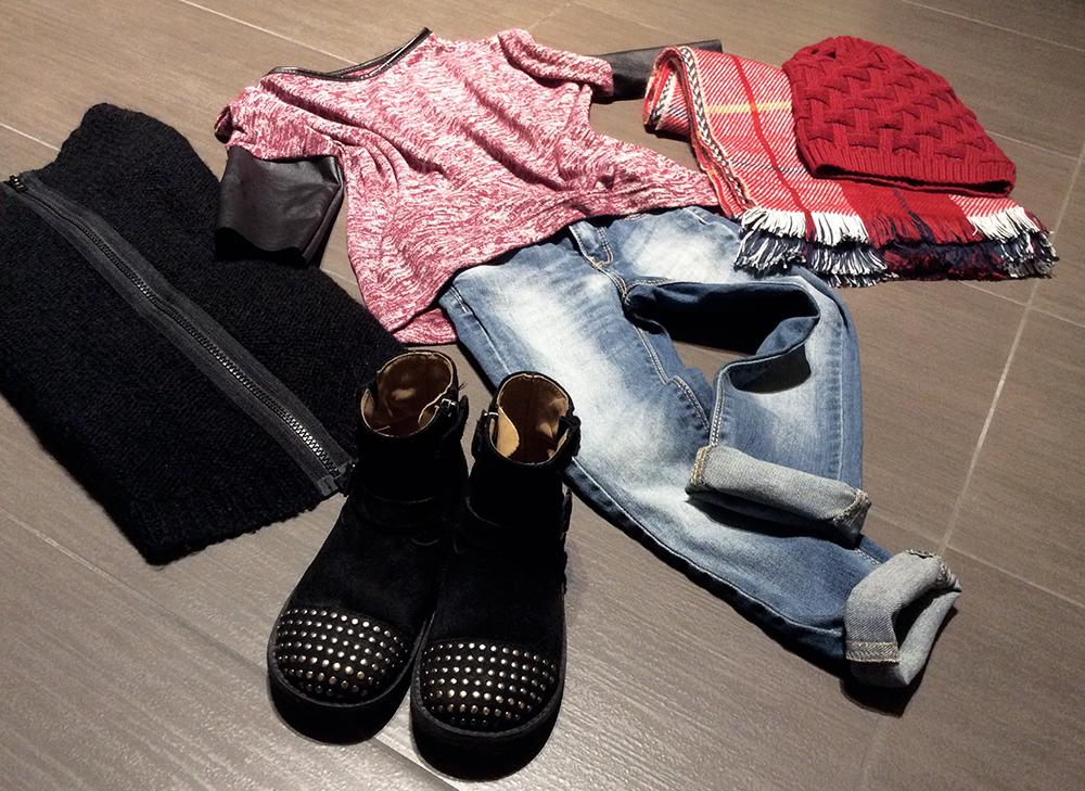 look bambina con jeans skinny maxi maglia con dettagli ecopelle maglione lana con lampo e bikers con borchie