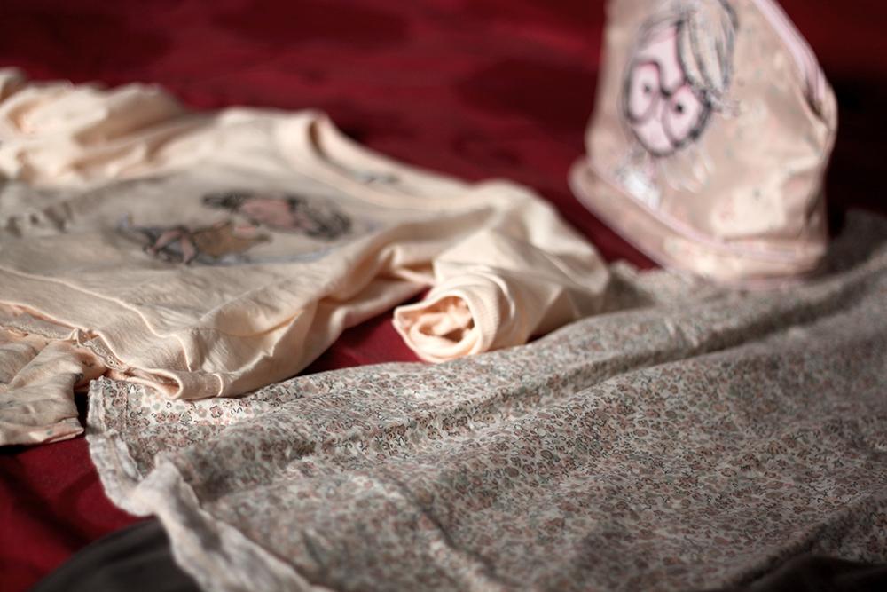 leggere_dettagli_look_pigiama_undercolors_of_benetton_primavera_momeme