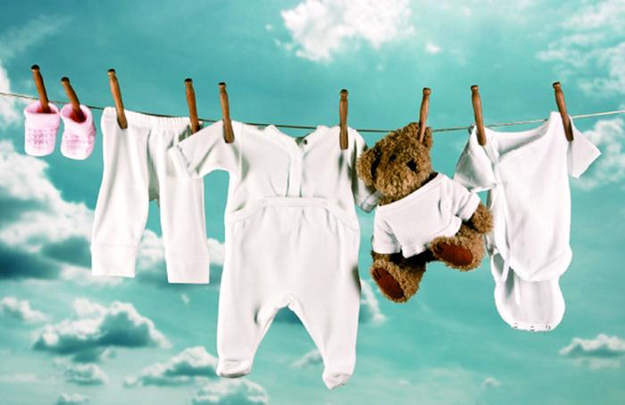 Consigli su come lavare i vestiti del neonato momeme