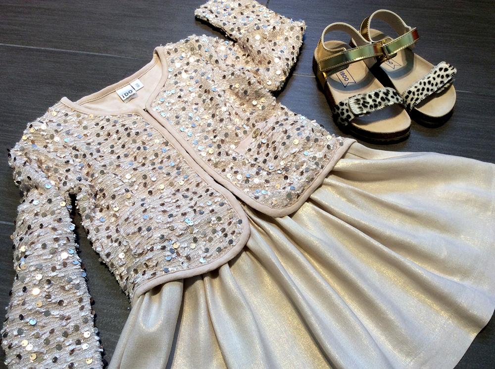 spunto outfit bambina con gonna lino laminato oro, cardigan paillettes iDo e sandolini cavallino Zalando