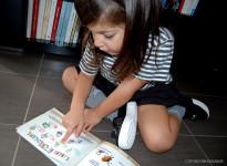 geox_scarpe_slip_on_bambina_libro_gerald_lettura_divertente_crescere_calze_stella_kiabi_momeme
