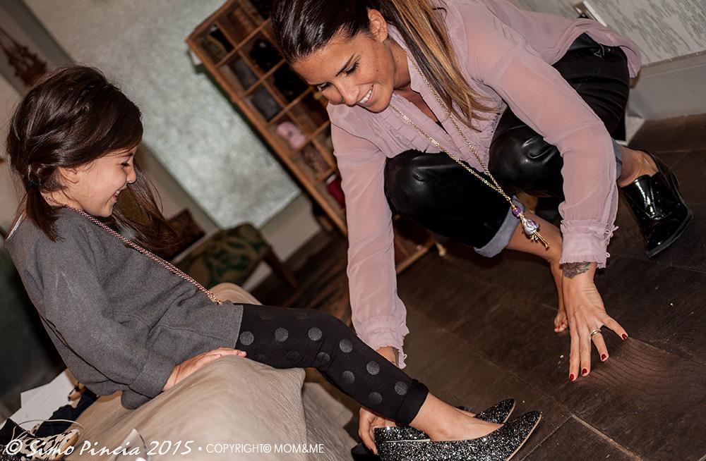 carosine_carose_collana_mamma_bimba_scarpe_gilda_anniel_glitter_fashion_momeme