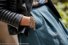 giacca_ecopelle_tattoo_bracciale_cora_bijoux_gonna_texture_tasche_momeme