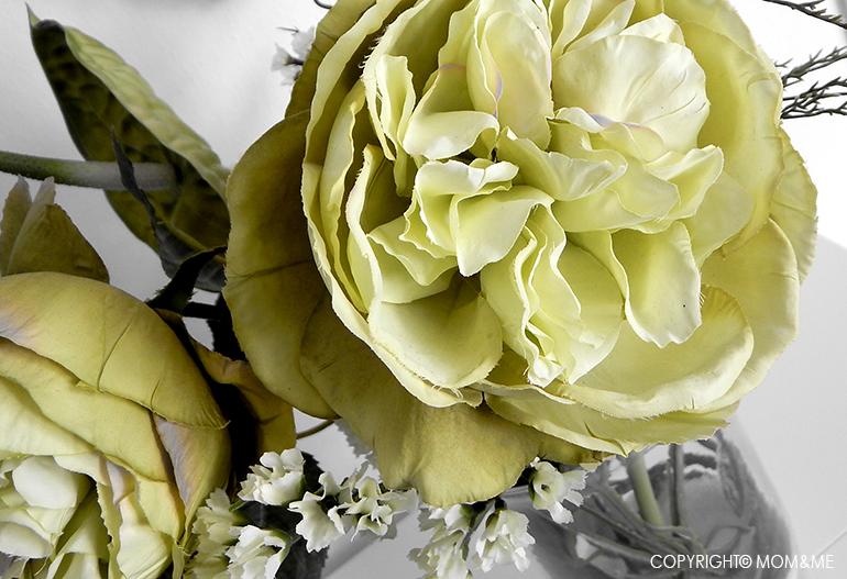 fiore_colori_spenti_bianco_nero_amore_momeme