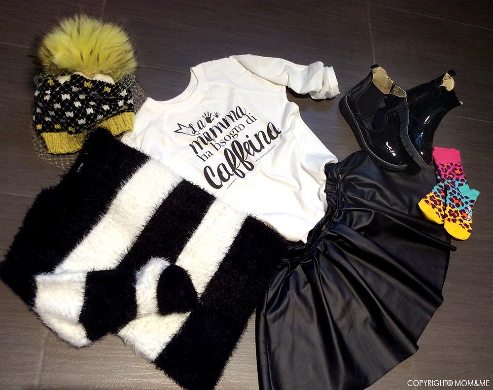 gonna_ecopelle_sarabanda_look_bambina_tshirt_folliefollie_momeme_maglione_righe_peloso_berretto_catya_calze_happy_socks_stivali_vernice_primigi