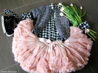 iDo_look_bambina_pimino_mezza_manica_pois_camicia_quadri_bianco_nero_gonna_tulle_angels_face_sneakers_superga_primavera_tulipani_rosa_momeme