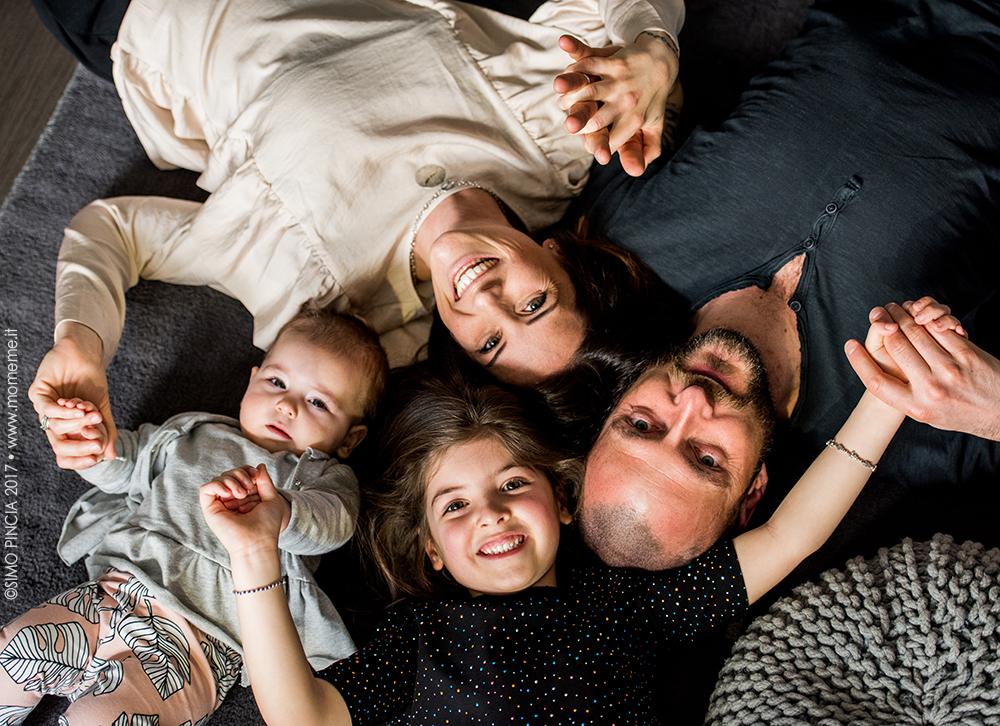 regalo_servizio_fotografico_festa_papà_mamma_quadro_famiglia_mani_momeme