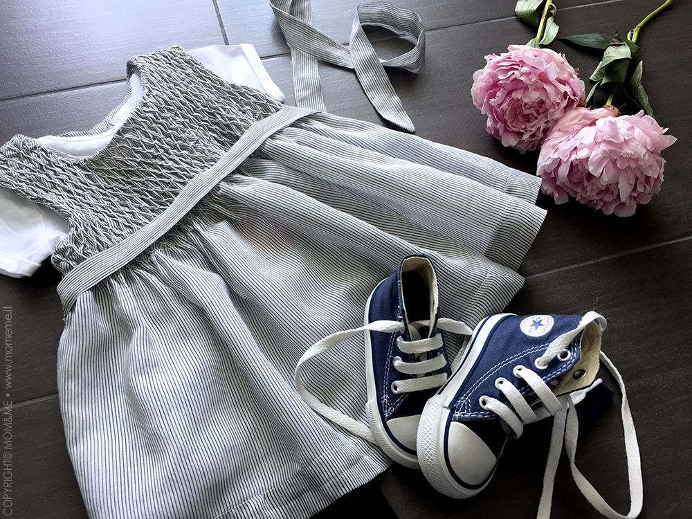 Malvi_and_co_vestito_cerimonia_neonata_cotone_lino_righe_t-shirt_converse_peonie_momeme